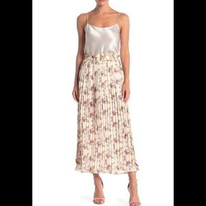 Endless Rose Heart Vine Floral Pleated Maxi Skirt